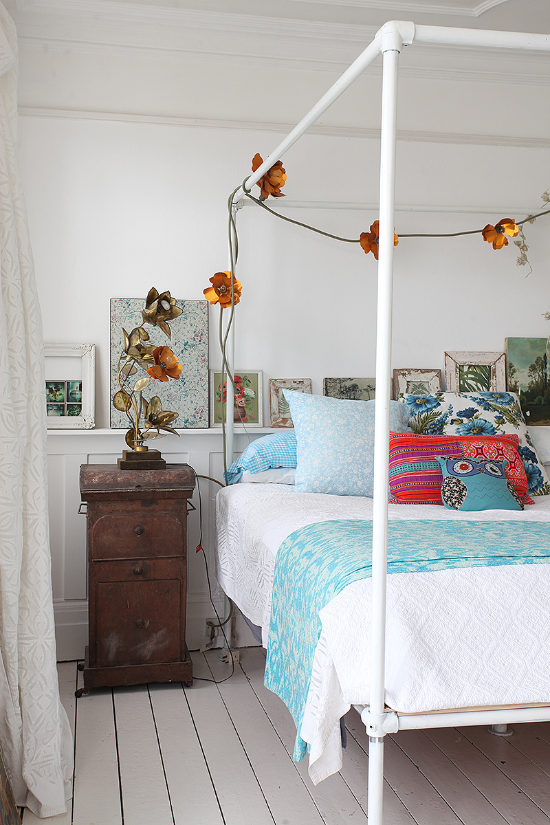 Boho Bedroom Ideas: Tribal and Traditional Patterns