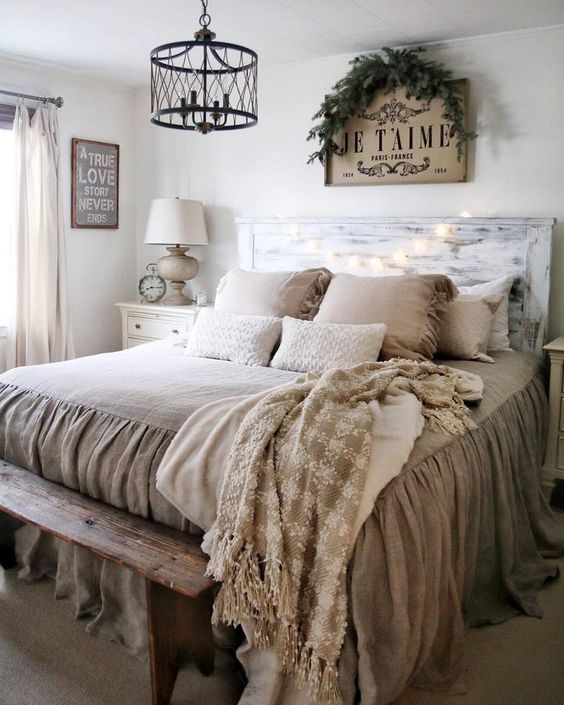 Rustic Bedroom Ideas: Antique chandelier