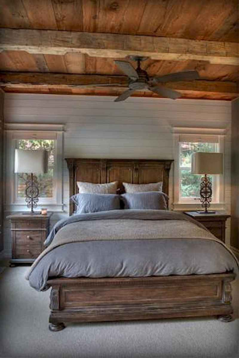 Rustic Bedroom Ideas: Fabrics and Bedding