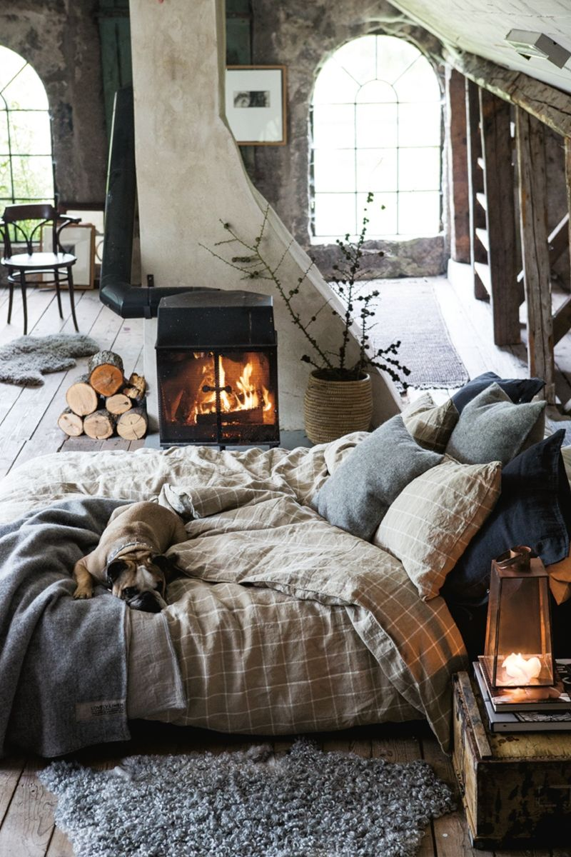 Cozy Bedroom Ideas: Do the heating with the fireplace