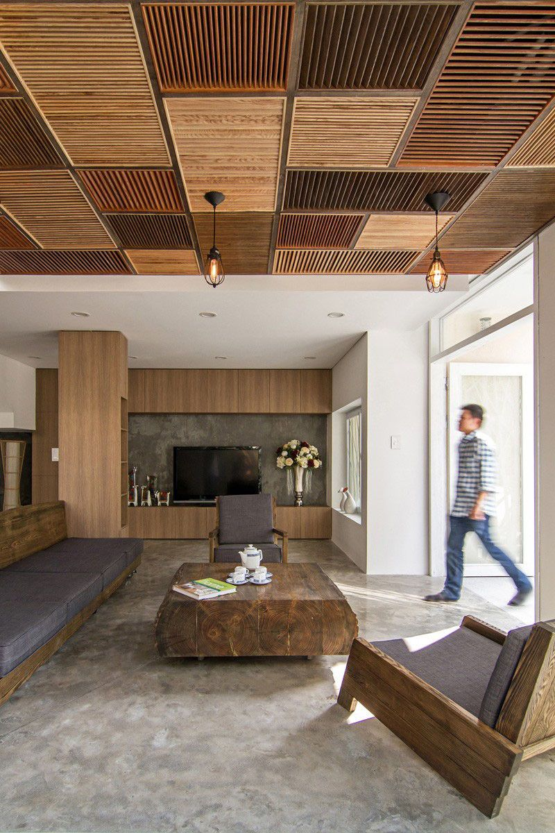 Farmhouse Living Room Ideas: Reclaimed Wood Living Room Ceiling