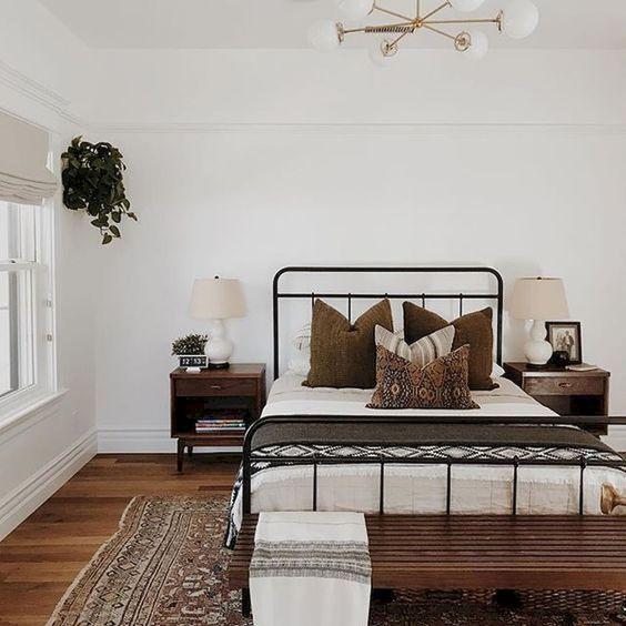 classic farmhouse bedroom ideas 5