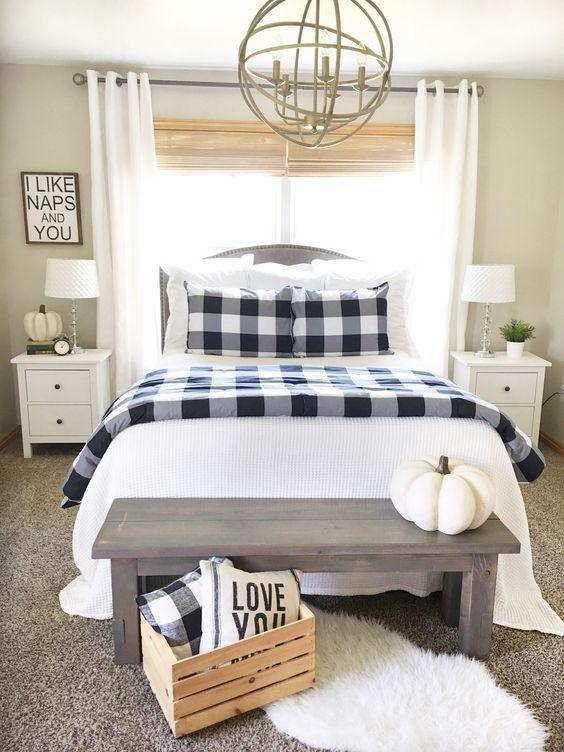 Farmhouse Bedroom Decor: Simple Decorative Bedroom