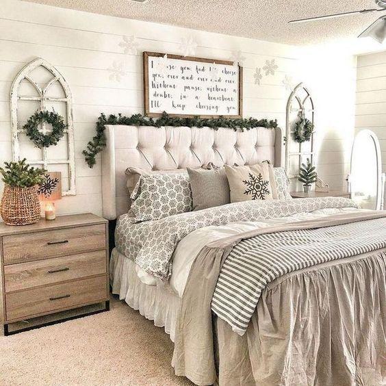 Farmhouse Bedroom Decor: Decorative Rustic Bedroom