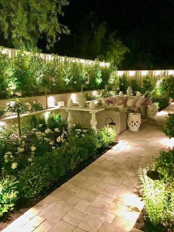 Backyard Lighting Ideas: Make It Dramatic