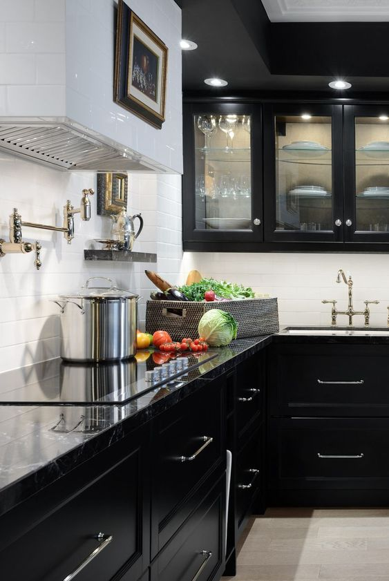 Black Kitchen Ideas: Enchantingly Elegant Kitchen