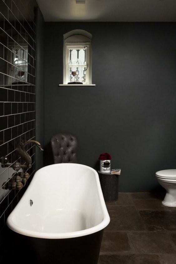 dark bathroom ideas 21