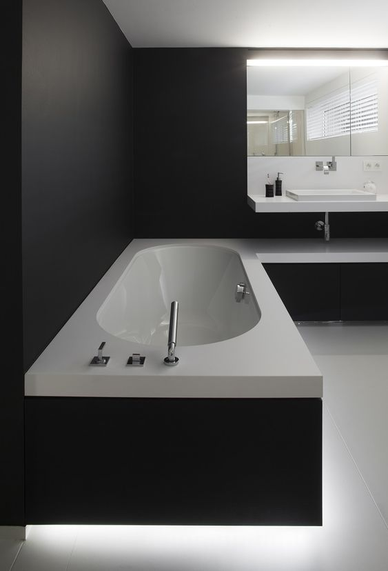 dark bathroom ideas 8