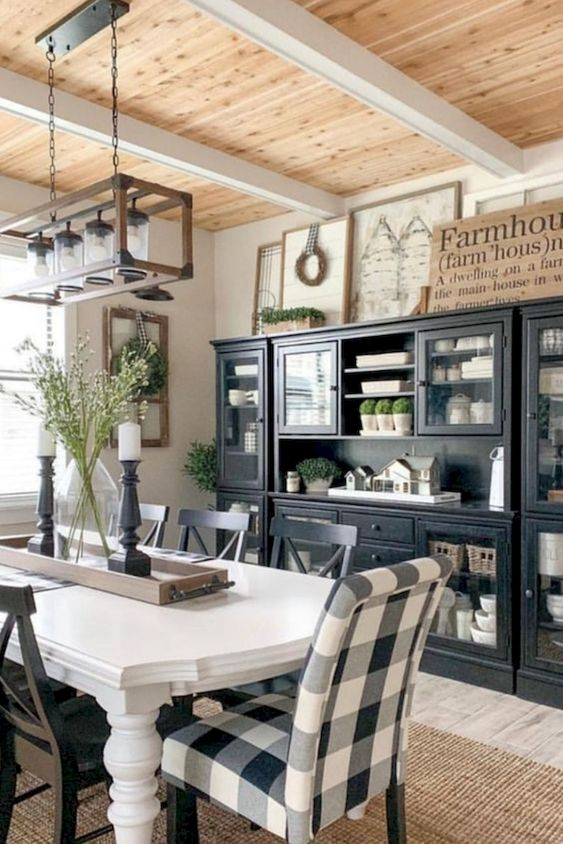 Farmhouse Dining Room Ideas: Mix The Color