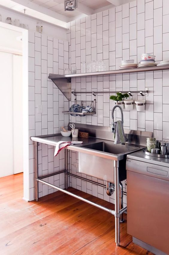 Industrial Kitchen Ideas: Simple Metal Sink