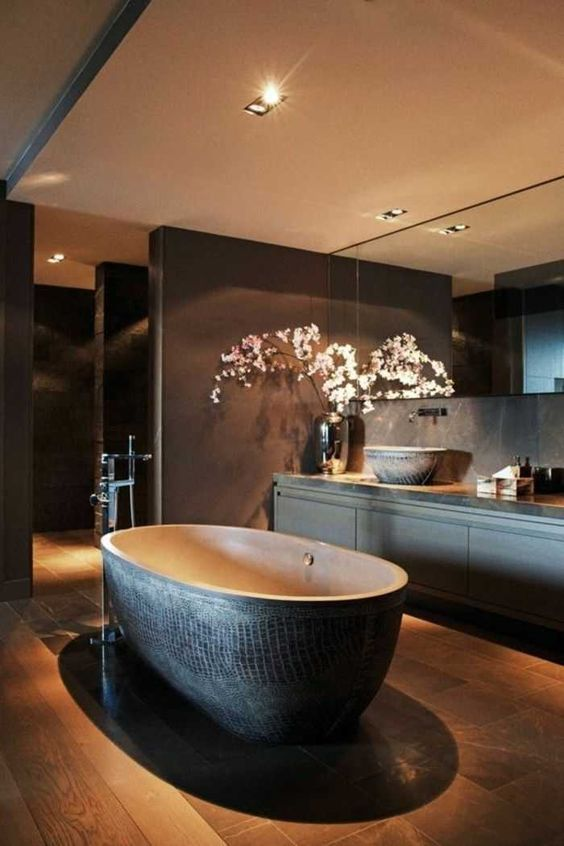 Luxury Bathroom Ideas: Luxuriously Simple