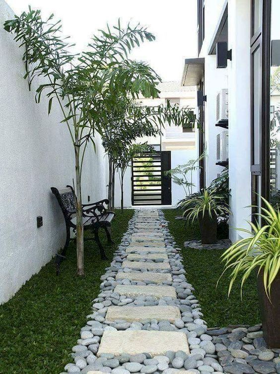 Small Backyard Ideas: Simple Will Never Die