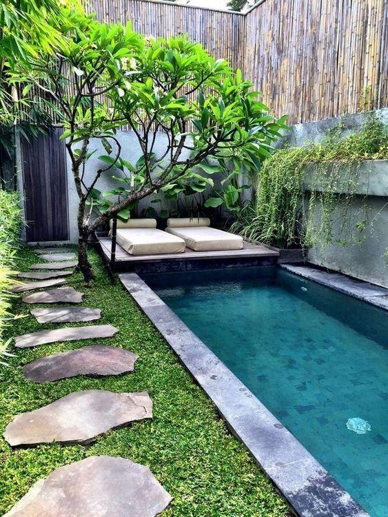 Small Backyard Ideas: Freshly Looking Spot