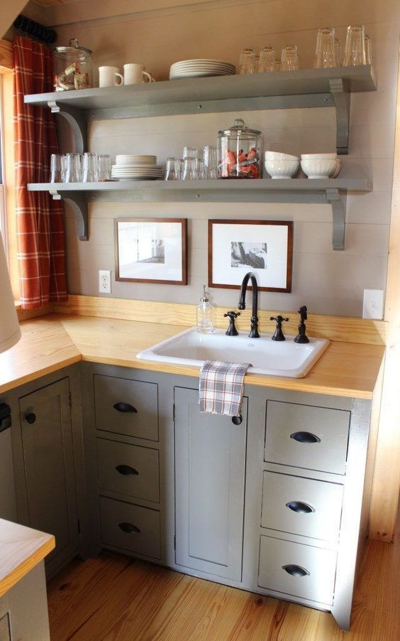 Tiny Kitchen Ideas: Exposed Utensils Shelves