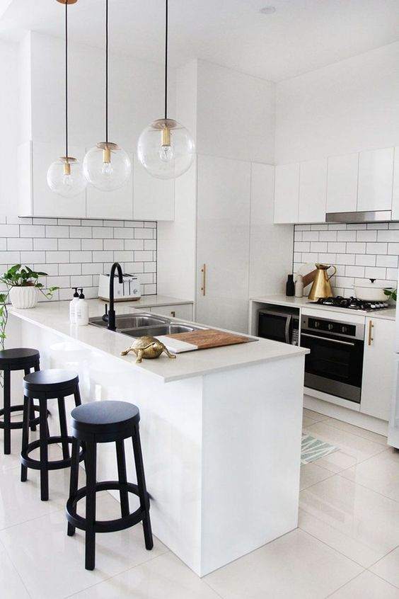 White Kitchen Ideas: Elegant Combination