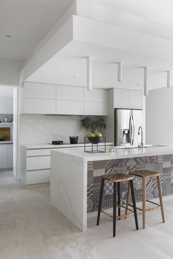 White Kitchen Ideas: Simply Stylish