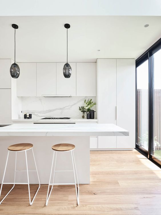 White Kitchen Ideas: Stylish Earthy