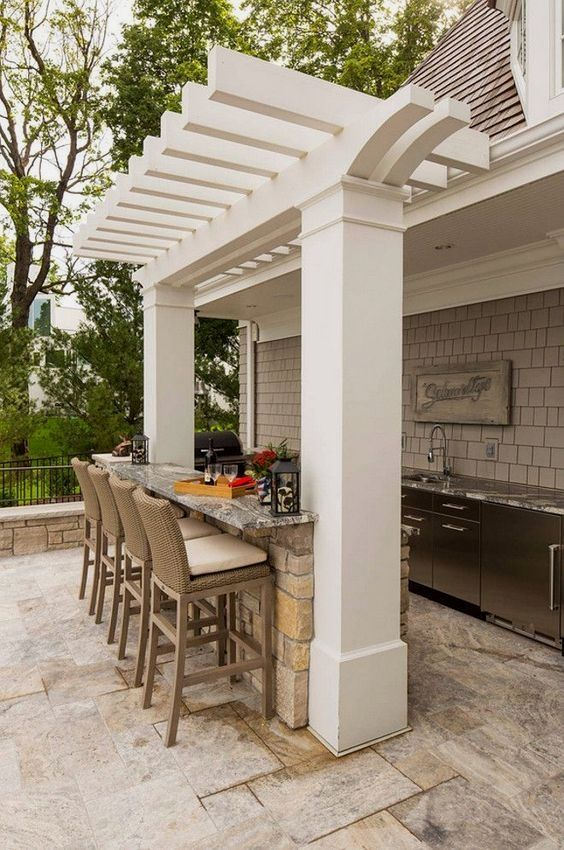 Backyard Bar Ideas: Simply Elegant Bar