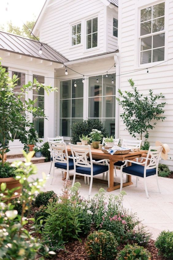 backyard dining ideas 10