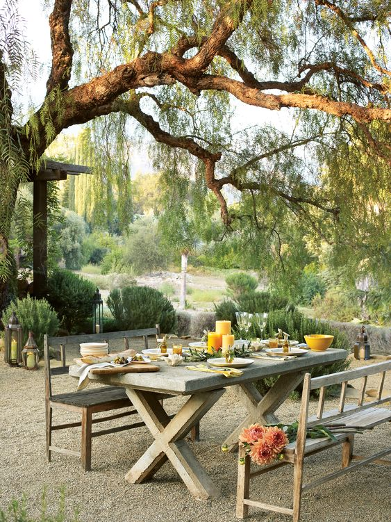 backyard dining ideas 12