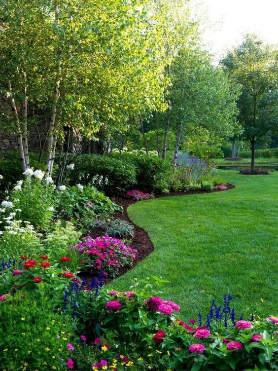 backyard flowers ideas 22
