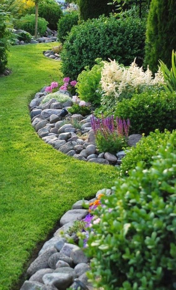 backyard flowers ideas 25