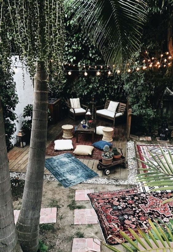 Boho Backyard Ideas: Cozy Backyard