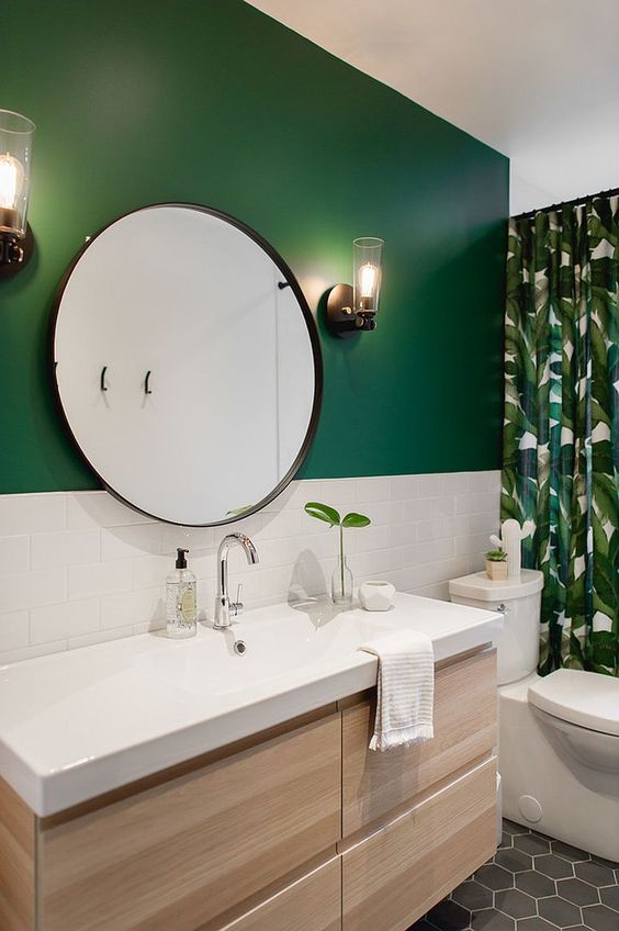 Green Bathroom Ideas: Chic Matte Green