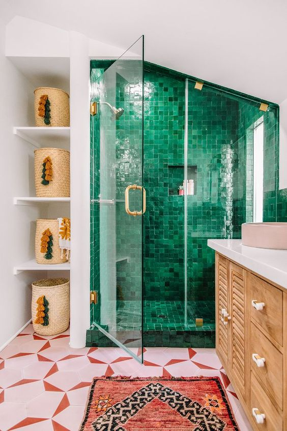 Green Bathroom Ideas: Eye-Catching Spot
