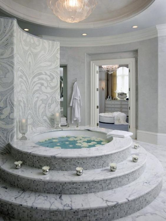 Luxury Hot Tub: Dreamy and Marbling Tub