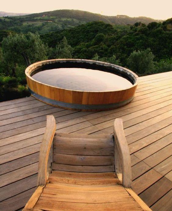 round hot tub 10