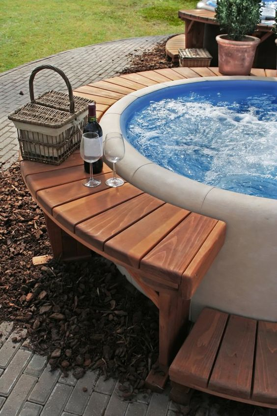 round hot tub 14