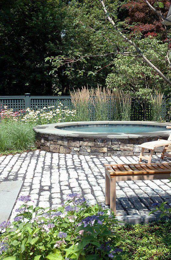 round hot tub 17