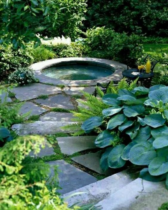 Round Hot Tub: Natural and Fresh Tub