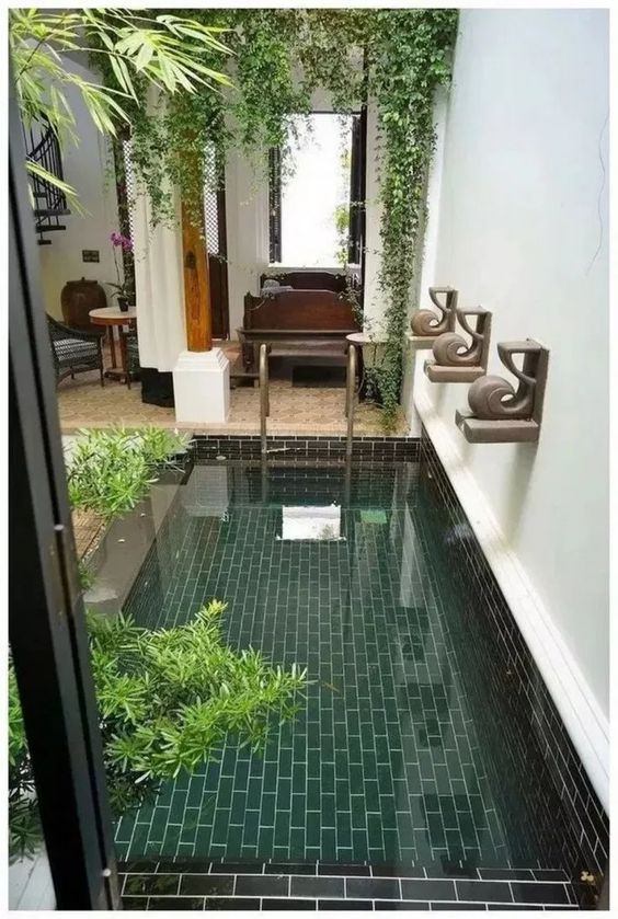 Small Swimming Pool Ideas: Simply Chic Pool