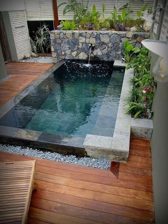 Small Swimming Pool Ideas: Summon All Natural Items