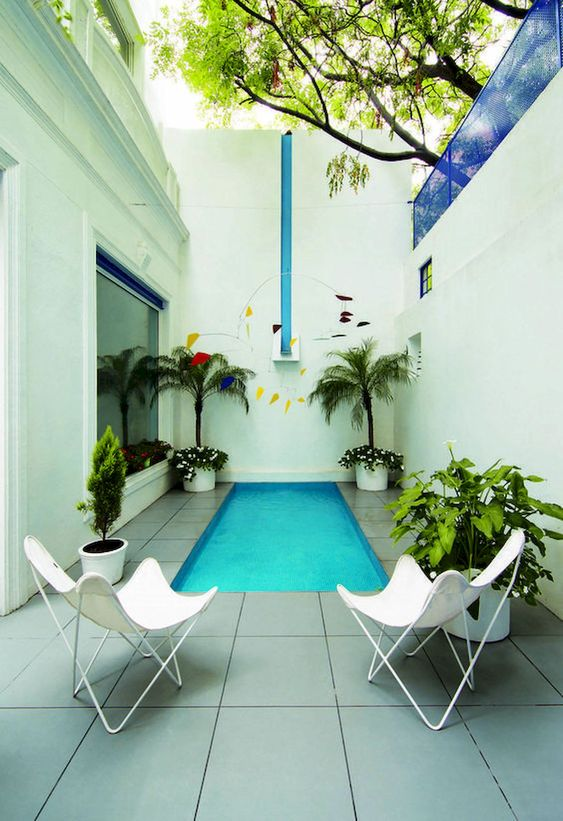 Small Swimming Pool Ideas: Cozy Back View