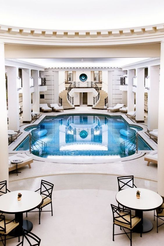 Swimming Pool Luxury Ideas: Simple Is The Winner