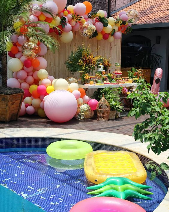 Swimming Pool Party Ideas: All Out for A Party