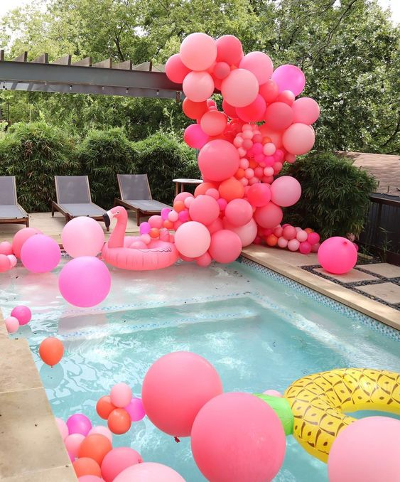 swimming pool party ideas 11