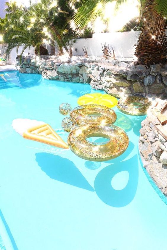 swimming pool party ideas 25