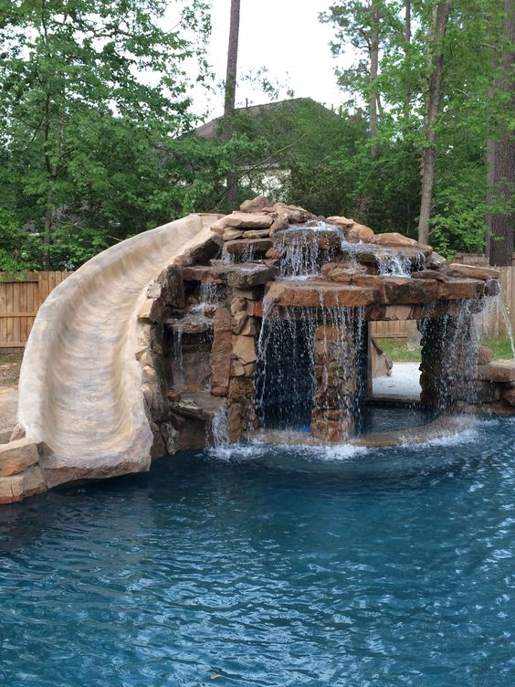 Swimming Pools With Slides: Natural Looking Slide
