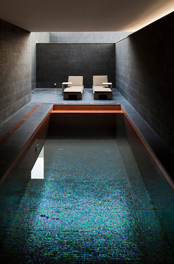 Unique Swimming Pool Ideas: Make It Shiny