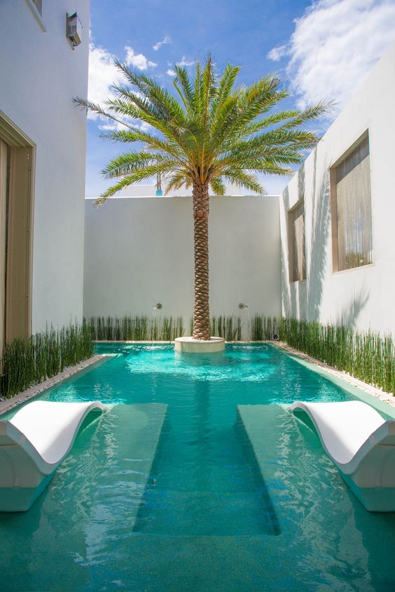 Unique Swimming Pool Ideas: Bring Some Tropical Vibe