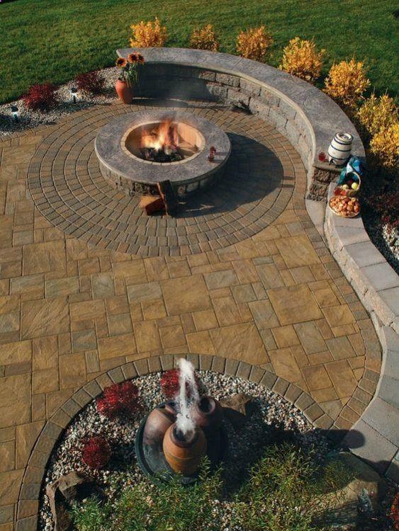 Backyard Patio Ideas: Earthy Stone Patio
