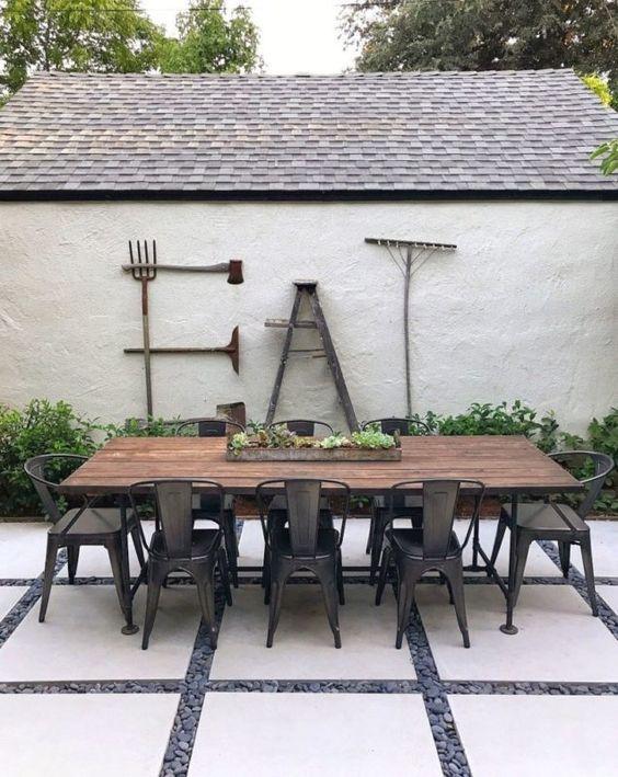 Backyard Patio Ideas: Combine Some Materials