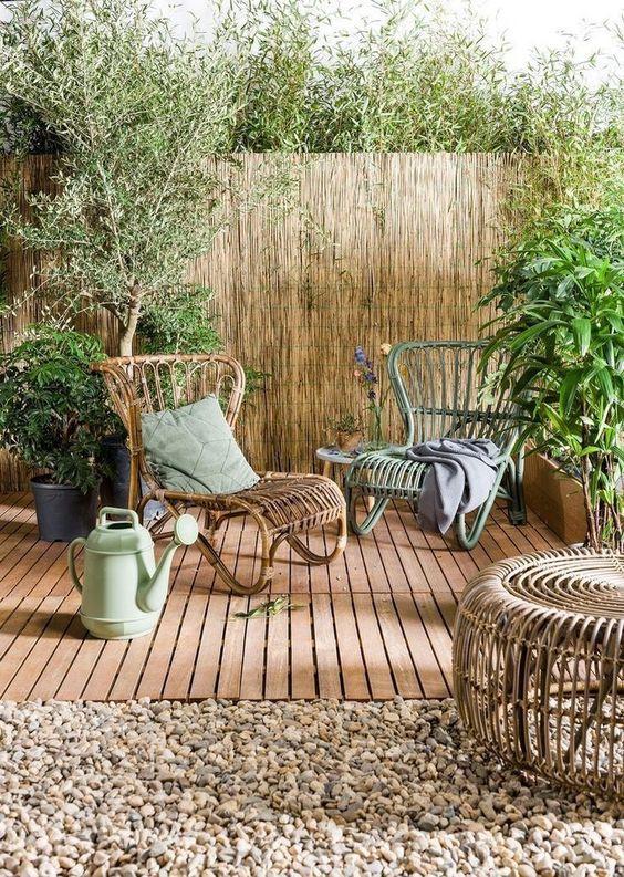 Bamboo Fence: Earthy Backyard