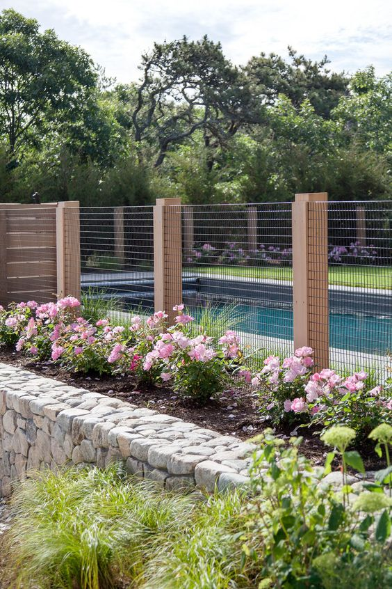 Farmhouse Fence: Swimming Pool Protection