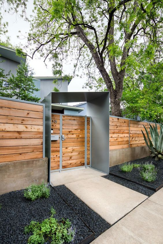 Fence and Gates: Modern Combination