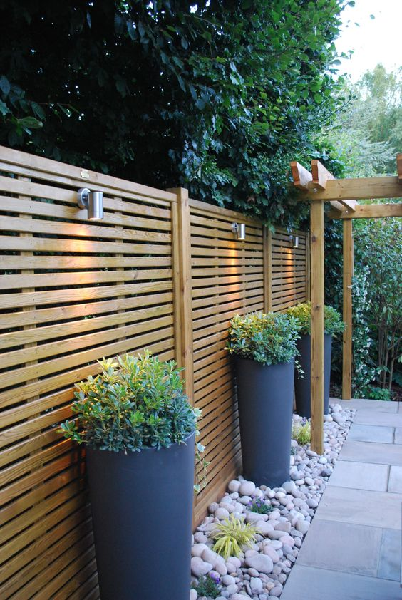 Fence Lighting: Simple Sconces